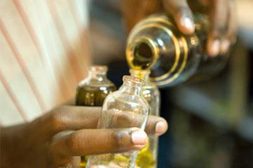 Frascos con aceites esenciales