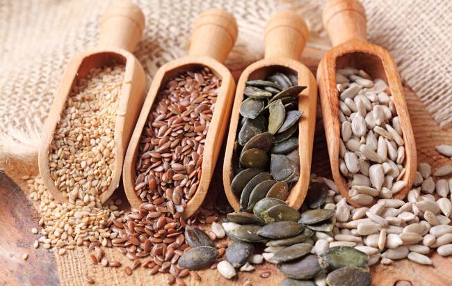 Tipos de semillas en palas de madera