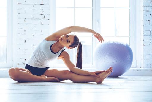 beneficios de estirar los músculos